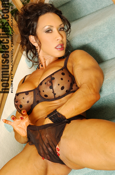 Size Queen : Denise Masino