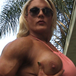 Lisa Cross – Flexing Big Muscle