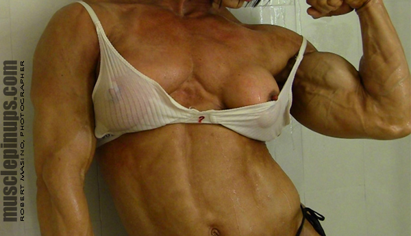 Muscle Vixen Tazzie Columb Takes a Shower Exposes Wet Juicy Nipples